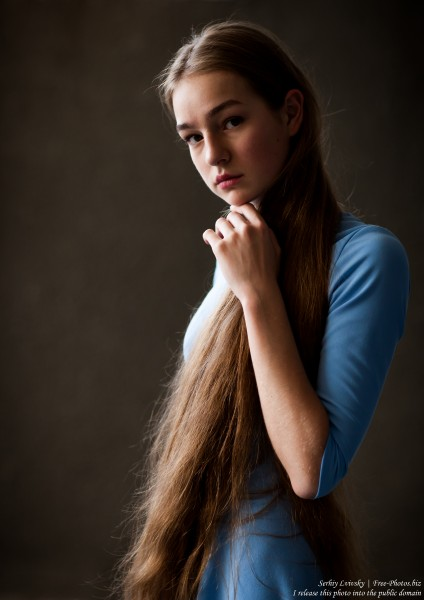 Justyna - a 16-year-old fair-haired girl photographed in June 2018 by Serhiy Lvivsky, picture 9