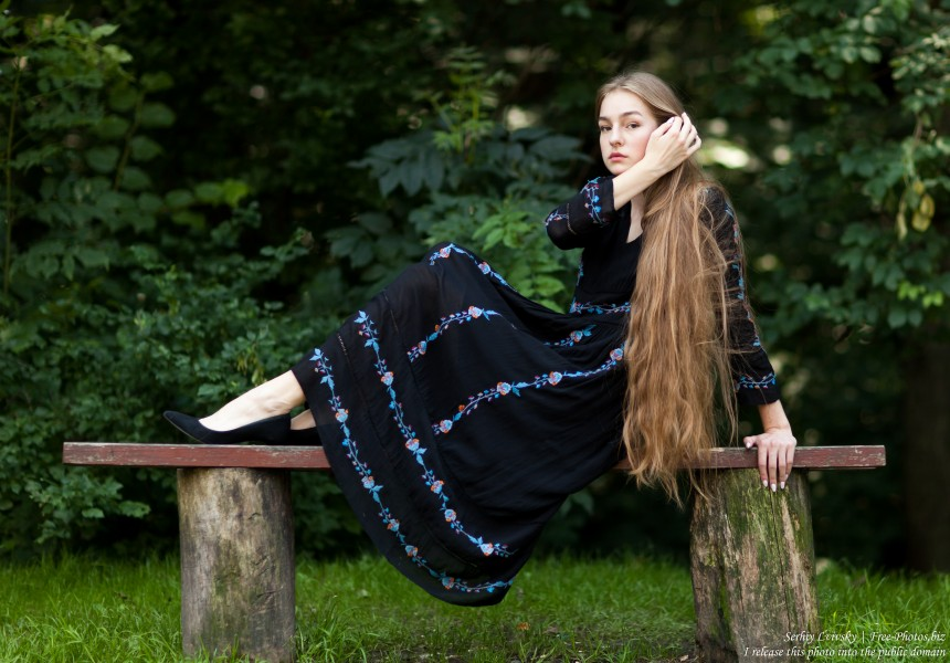 Justyna - a 16-year-old fair-haired girl photographed in June 2018 by Serhiy Lvivsky, picture 19