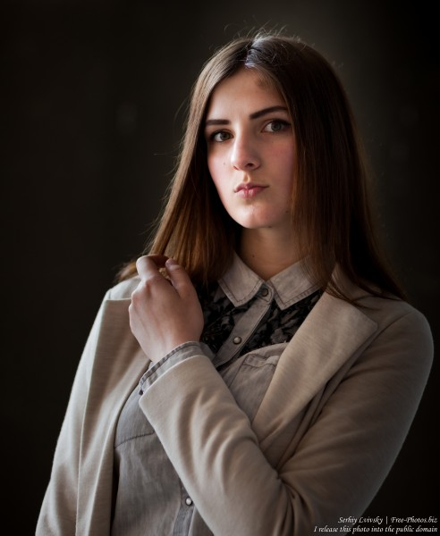 Klava - a 15-year-old brunette girl photographed in May 2017 by Serhiy Lvivsky, picture 2