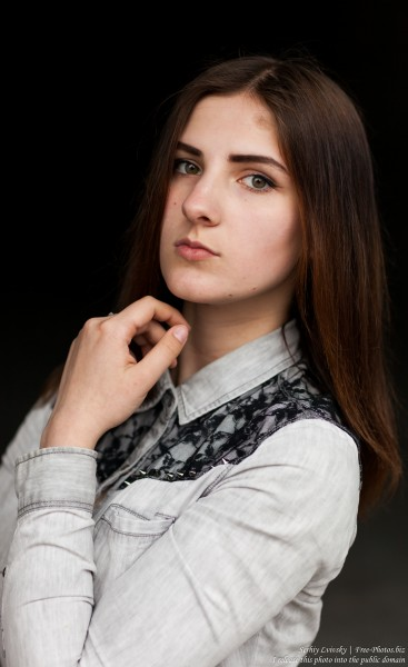 Klava - a 15-year-old brunette girl photographed in May 2017 by Serhiy Lvivsky, picture 7