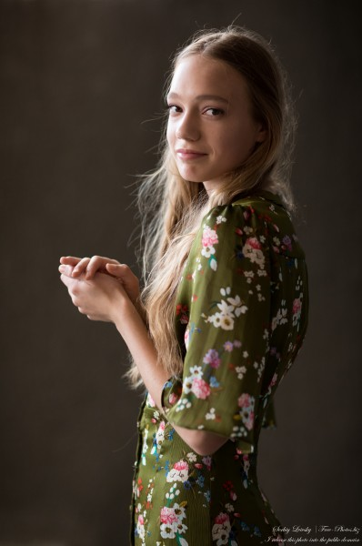 Marta - a 16-year-old natural blonde girl photographed by Serhiy Lvivsky in July 2020, picture 3