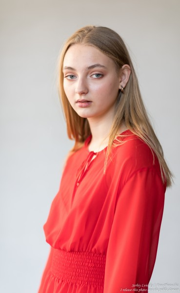 Nastia - a 16-year-old natural blonde girl photographed in September 2019 by Serhiy Lvivsky, picture 1