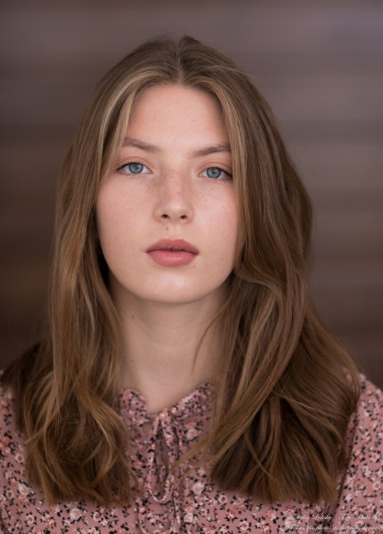 Sophia - a 17-year-old fair-haired girl photographed by Serhiy Lvivsky in September 2020, picture 19