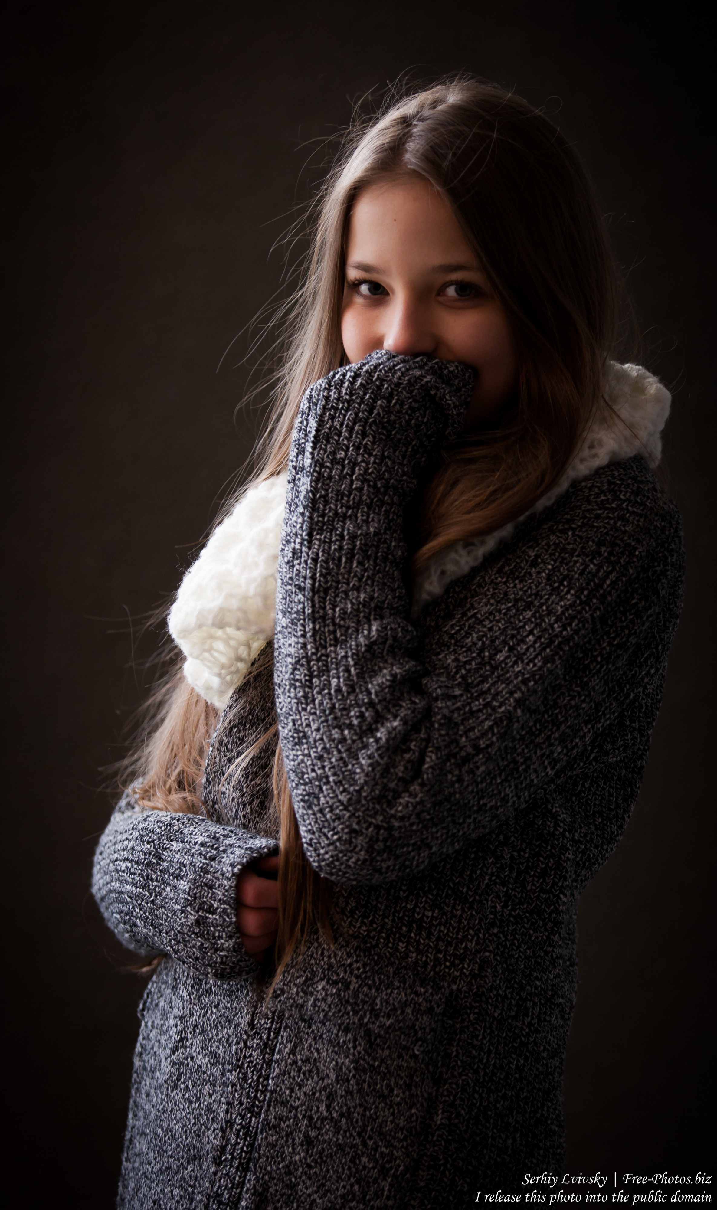 a 13-year-old girl photographed in January 2016 by Serhiy Lvivsky, picture 3