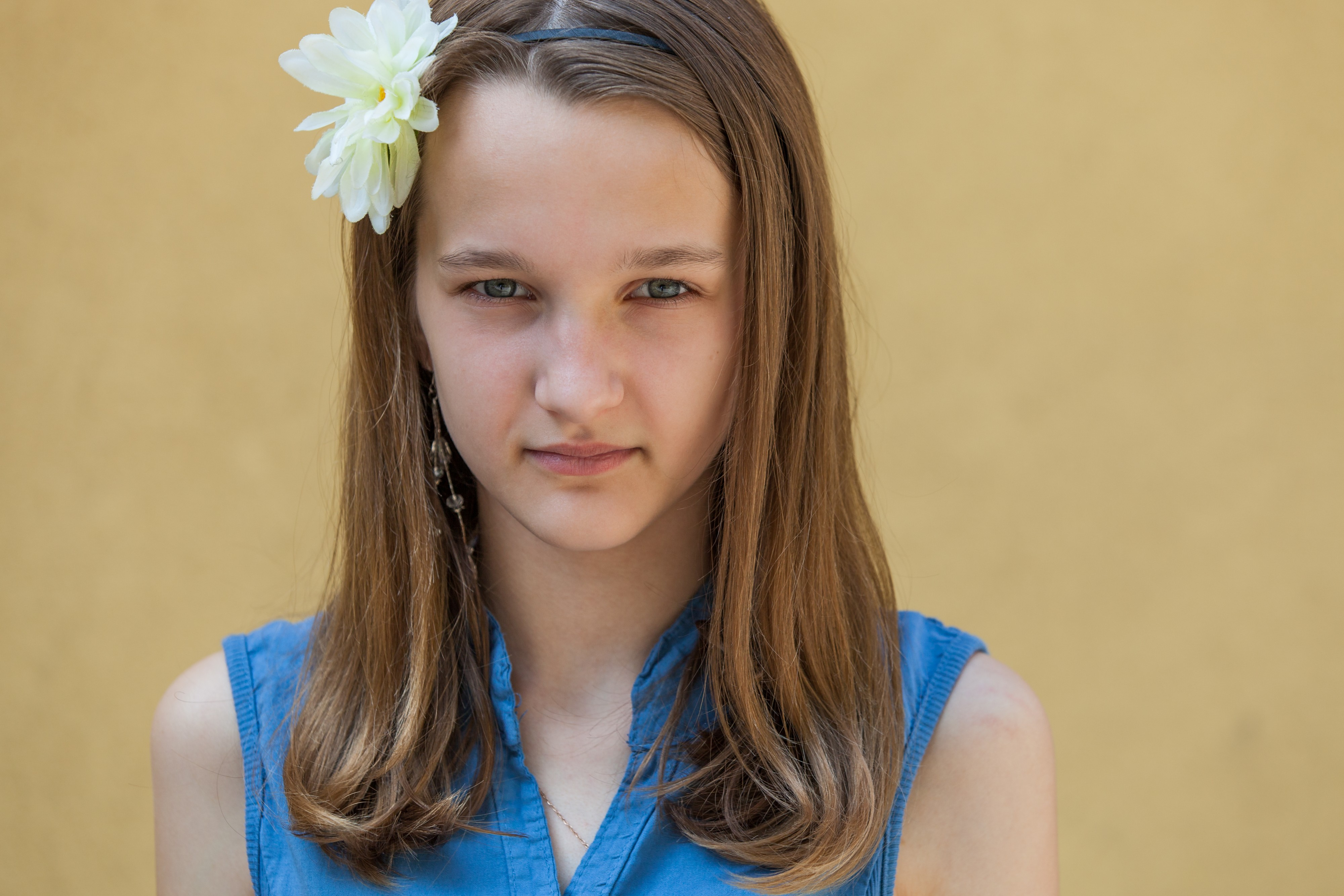 a very photogenic 12-year-old Catholic girl photographed in June 2014, picture 1/4