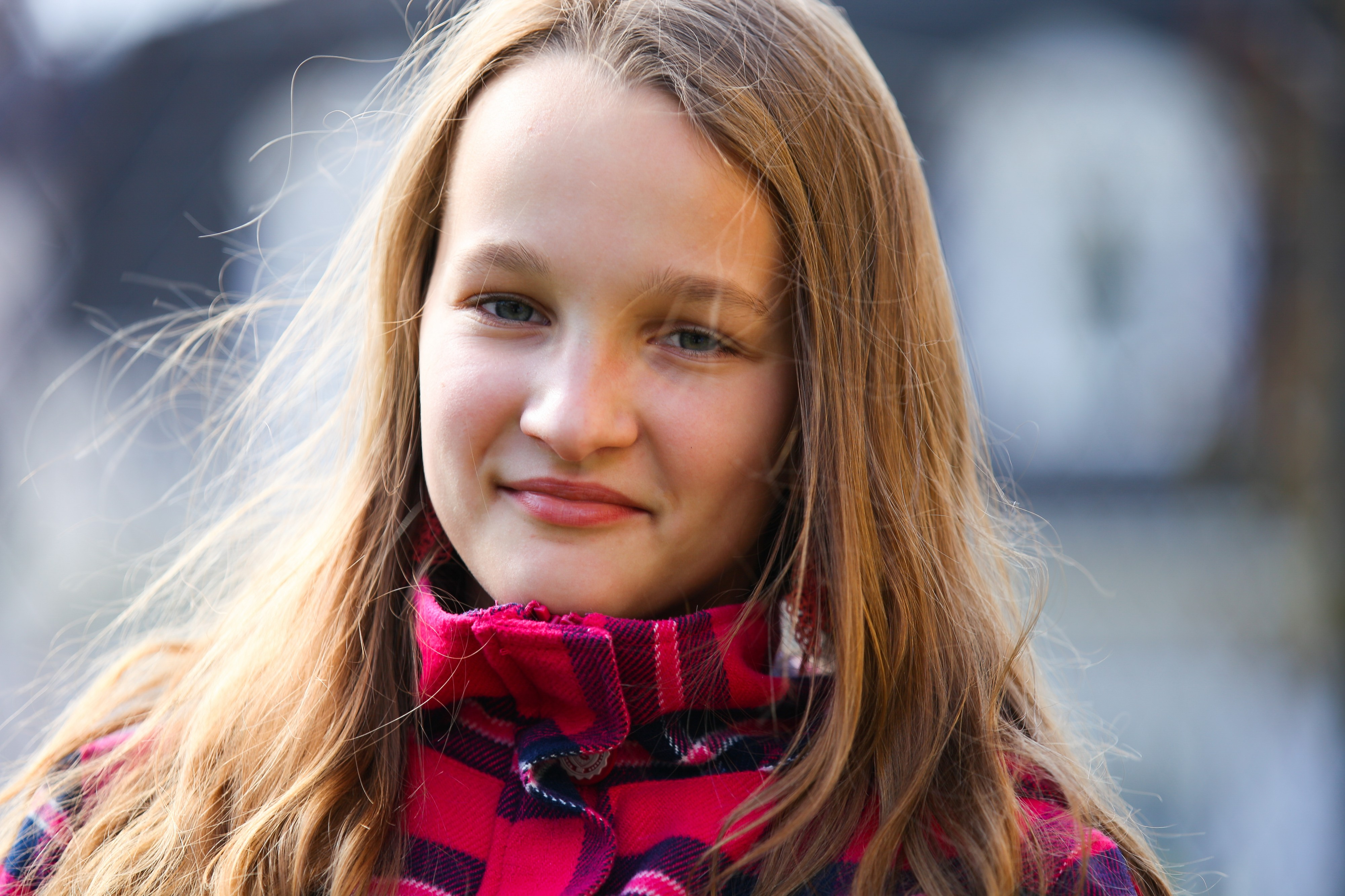 an astonishingly beautiful young Catholic girl photographed in September 2013, picture 18/34