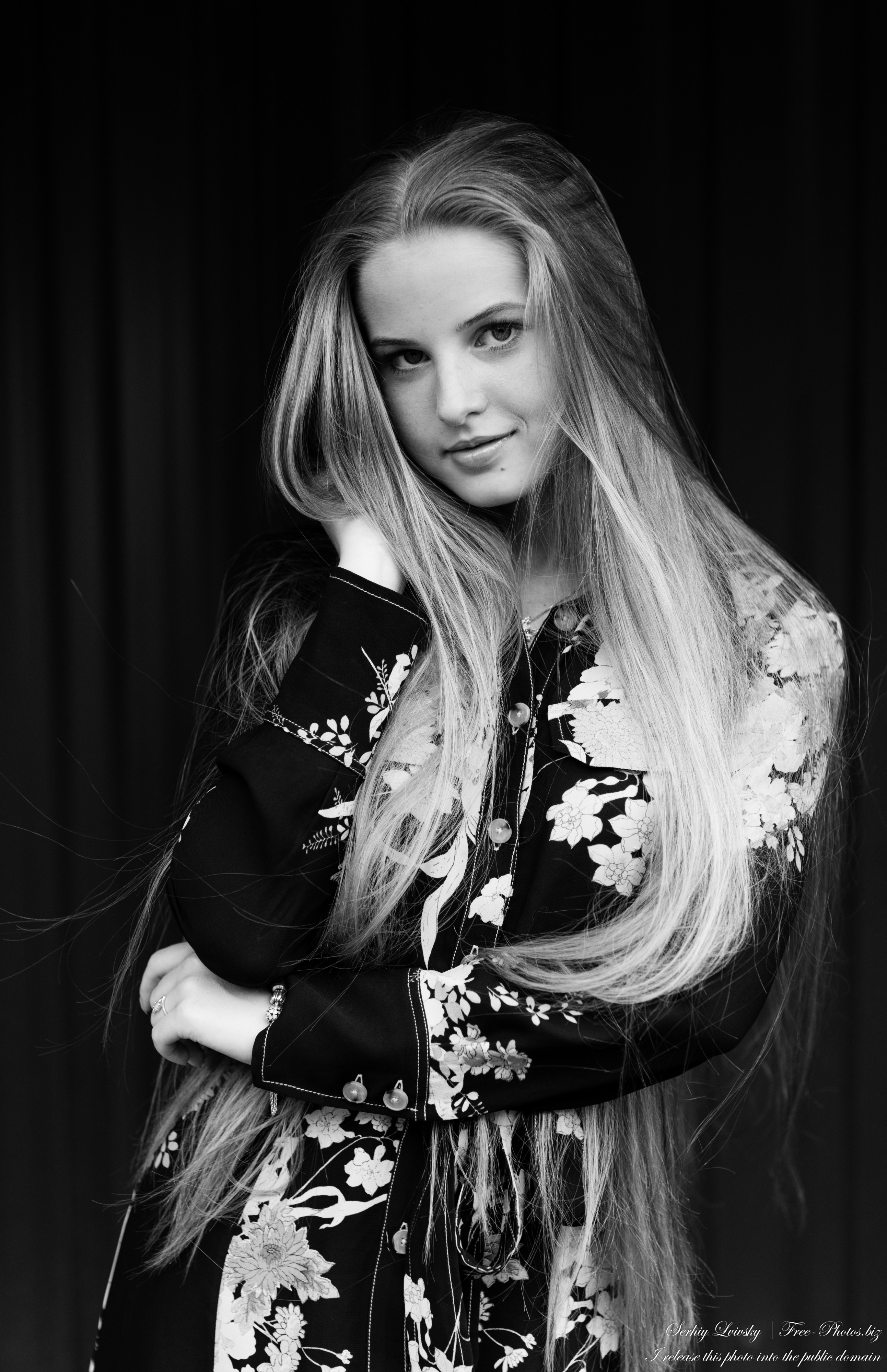 Diana - an 18-year-old natural blonde girl photographed in August 2020 by Serhiy Lvivsky, picture 40