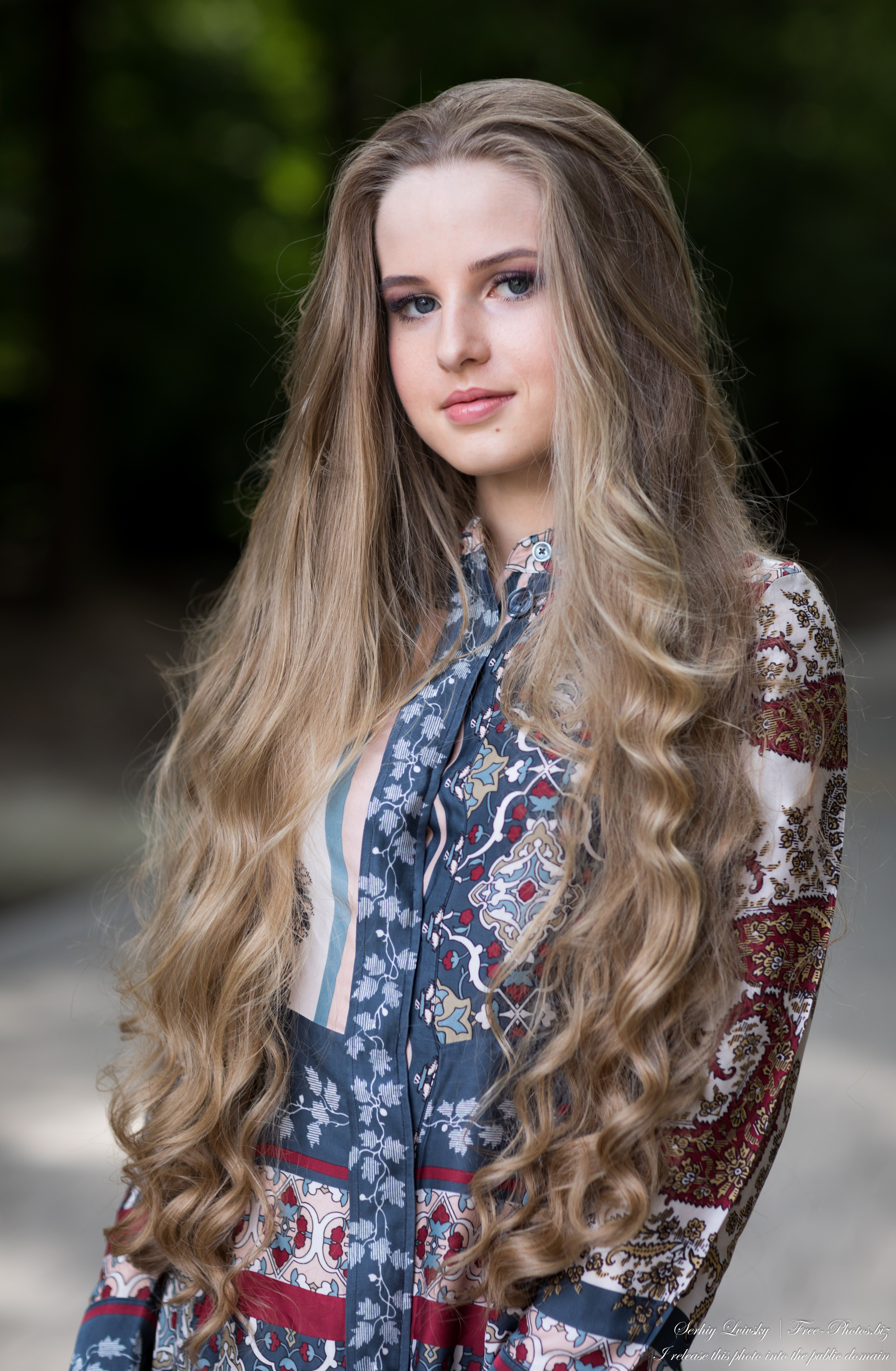 Diana - an 18-year-old natural blonde girl photographed by Serhiy Lvivsky in July 2020, picture 24