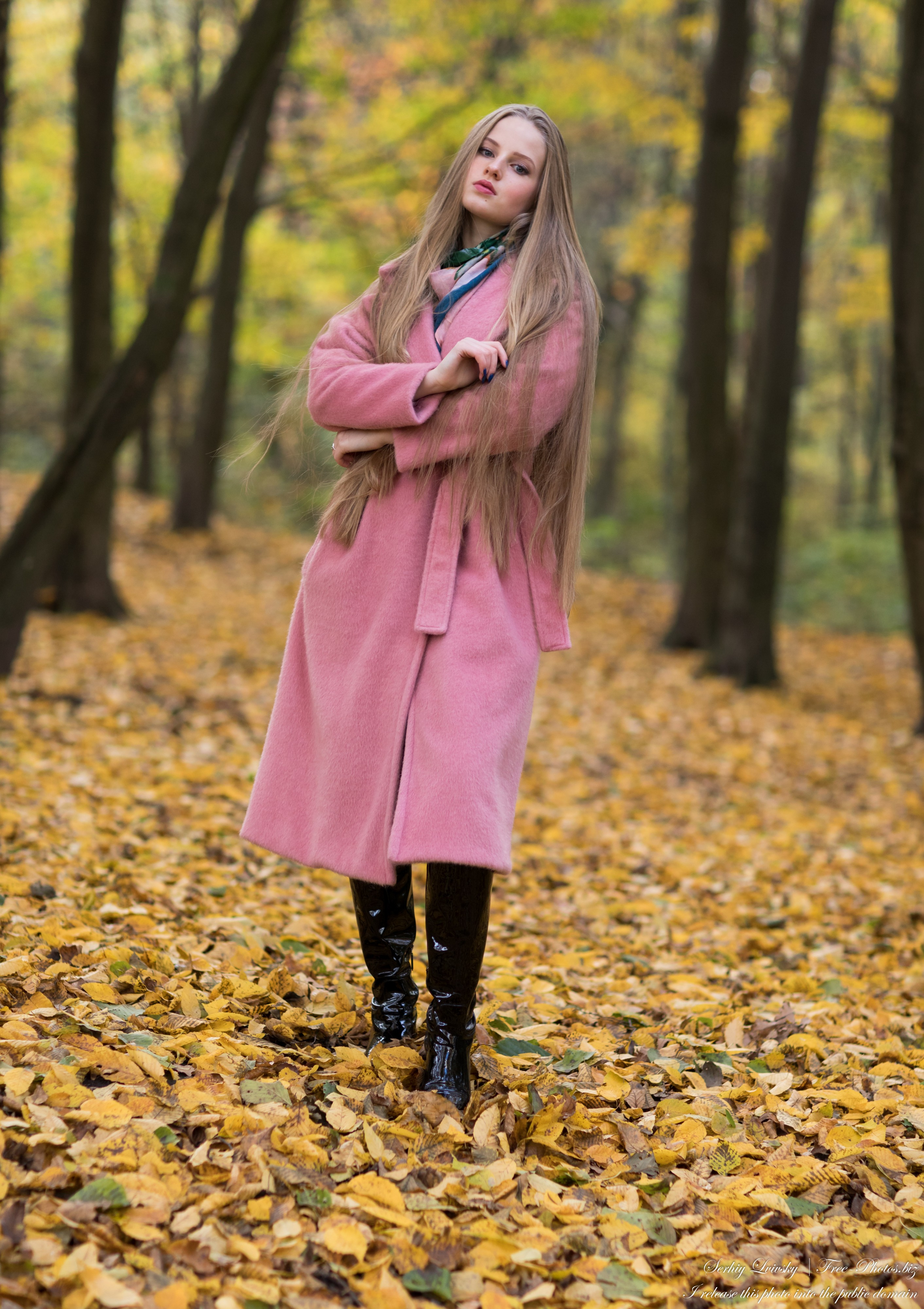 Diana  - an 18-year-old natural blonde girl photographed in October 2020 by Serhiy Lvivsky, picture 23