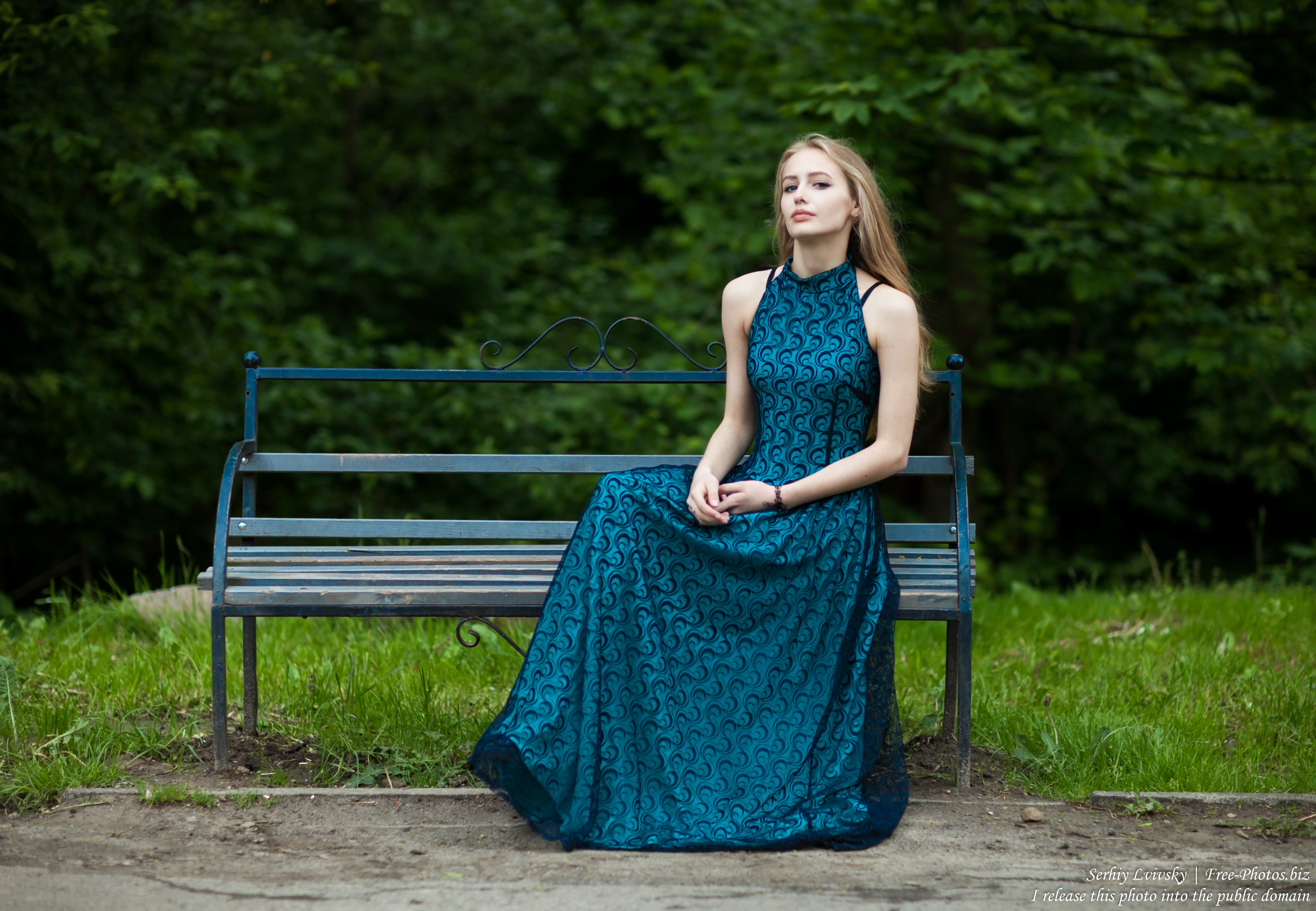 Photo of Lila - a 15-year-old natural blonde girl