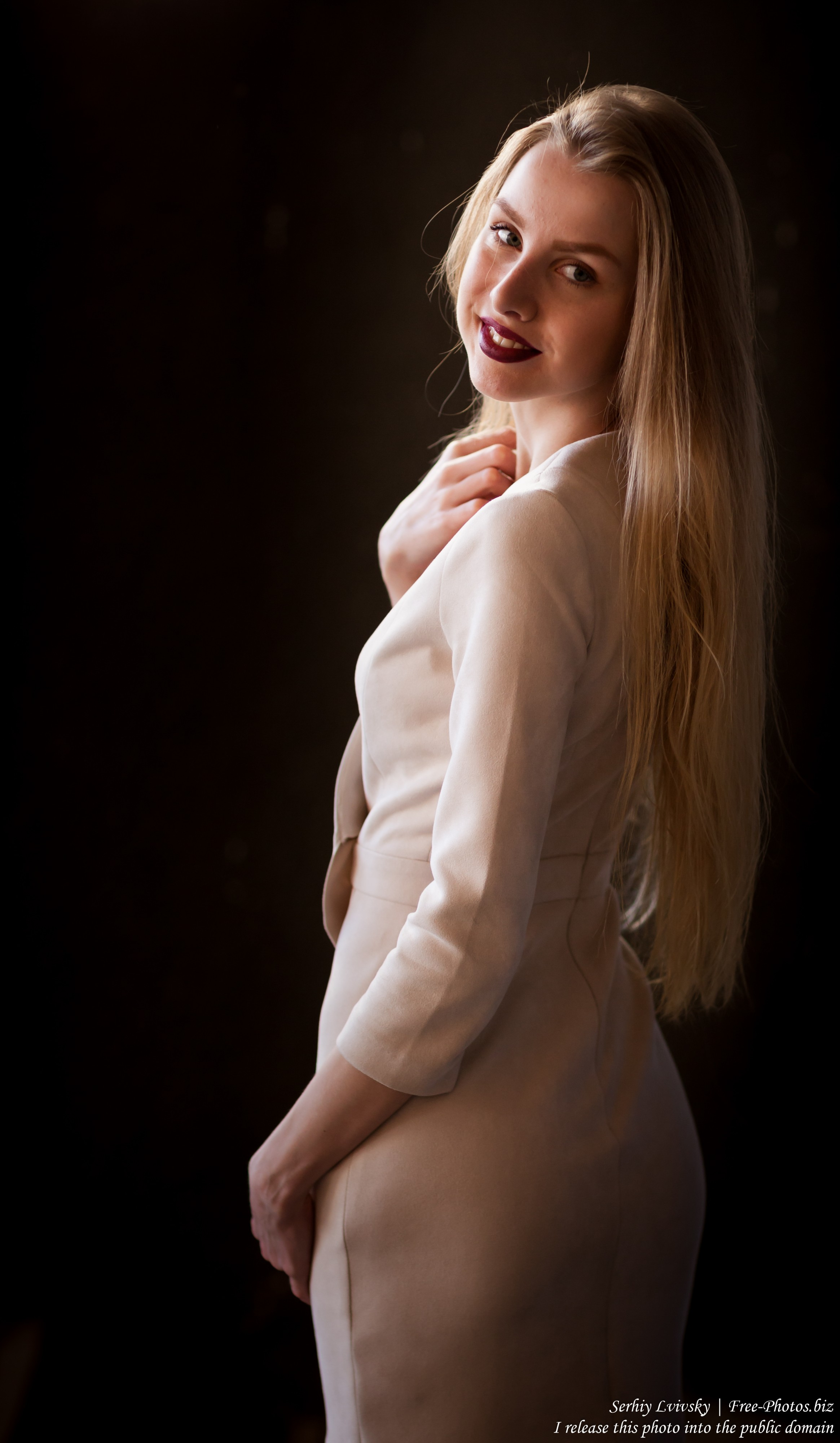 Lila - a 21-year-old natural blond girl photographed in May 2017 by Serhiy Lvivsky, picture 7