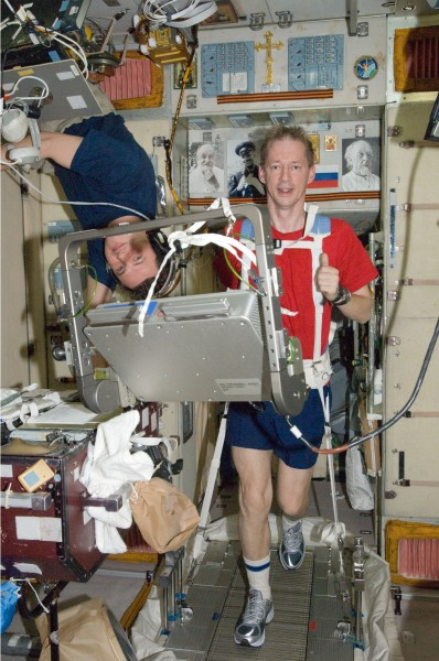ISS-20 Frank De Winne exercises on the TVIS in the Zvezda Service Module