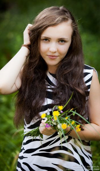 a 14-year-old brunette girl photographed in August 2015 by Serhiy Lvivsky, picture 3