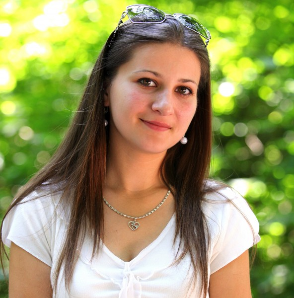 a marvelously beautiful Catholic girl photographed in July 2013, picture 7/22