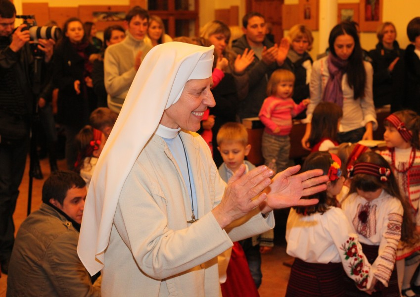a nun at a Christian holiday celebration in a Catholic kindergarten, photo 1