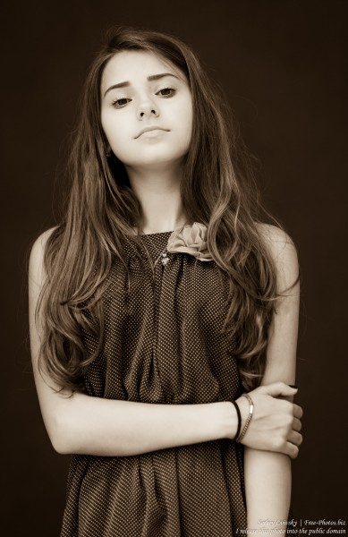 a 14-year-old brunette girl photographed in July 2015, picture 14