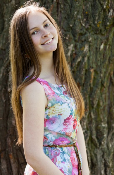 an amazingly photogenic 13-year-old girl photographed in May 2015, picture 1