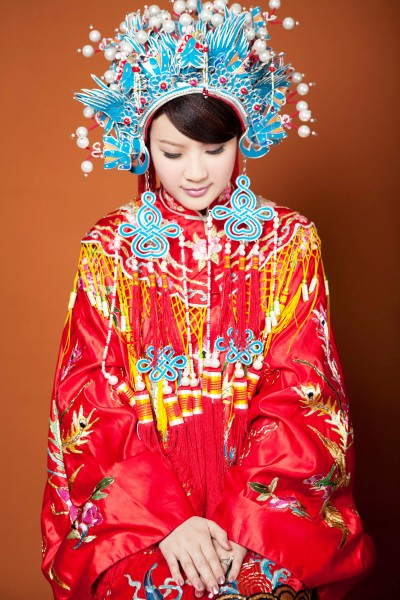 a traditional Chinese wedding dress