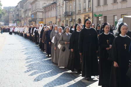 a Catholic procession in Lviv, Ukraine in September 2014, picture 3