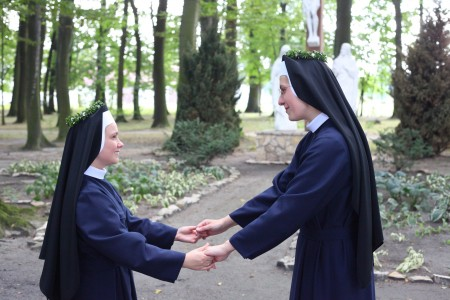 Catholic nuns greeting each other with perpetual wows