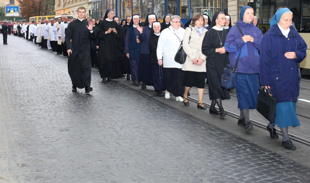 a Catholic procession during a celebration, picture 7