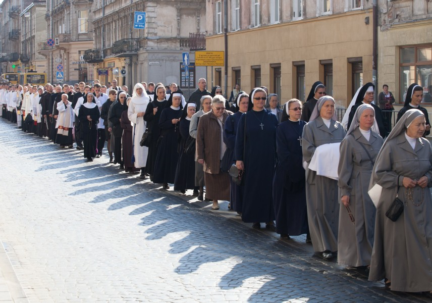 a Catholic procession in Lviv, Ukraine in September 2014, picture 1