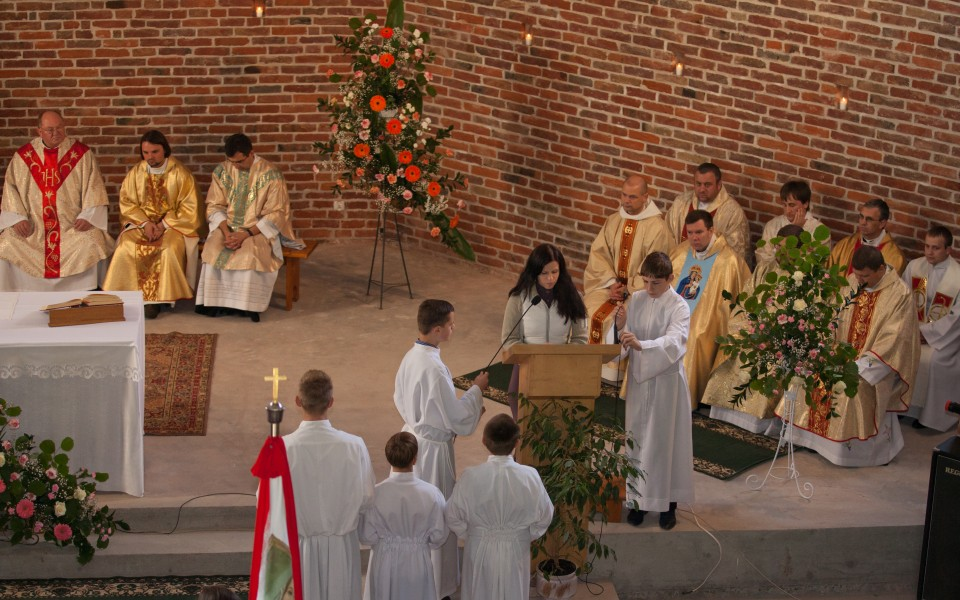 a Holy Mass in a church in September 2014, picture 3