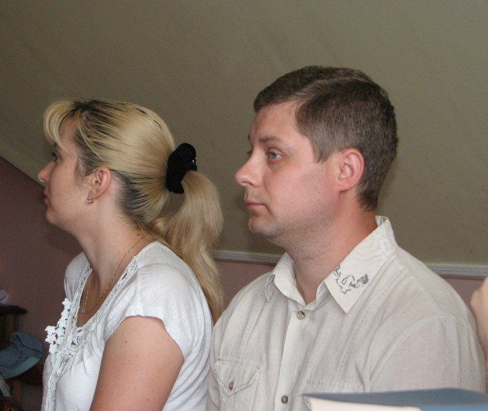 A young couple at a meeting of Catholic married couples, picture 4