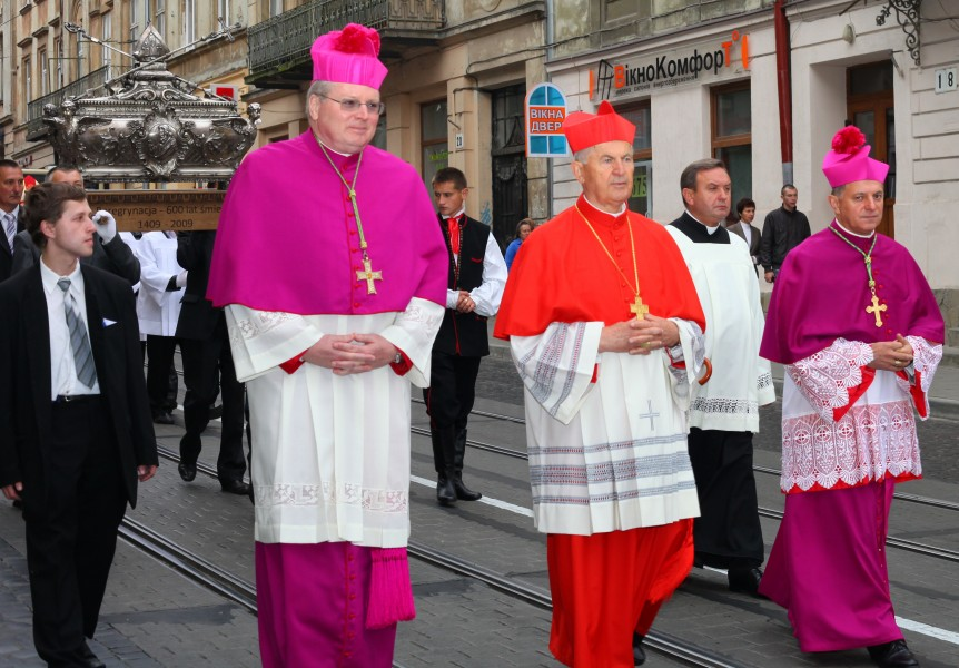 Catholic priests during a celebration, photo 3