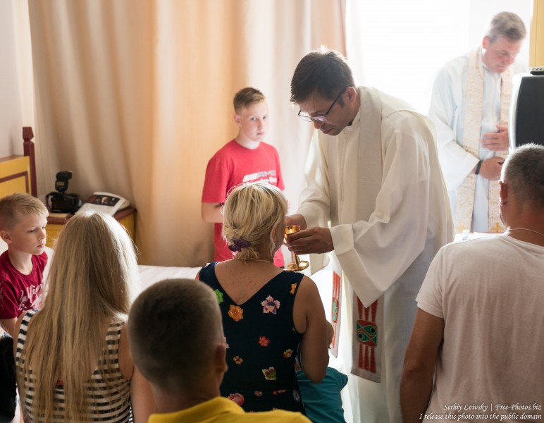 the Catholic mass in a hotel room in Turkey in August 2019, picture 3