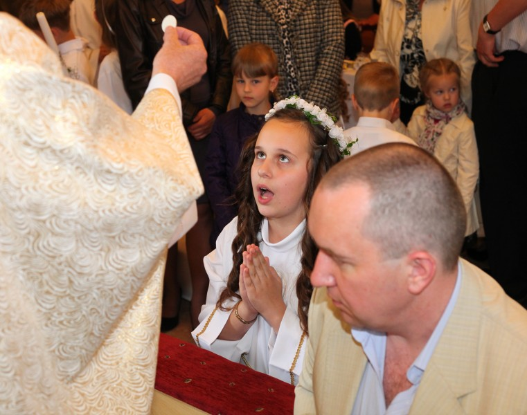 the first Holy Communion for children in May 2013, picture 3 out of 5