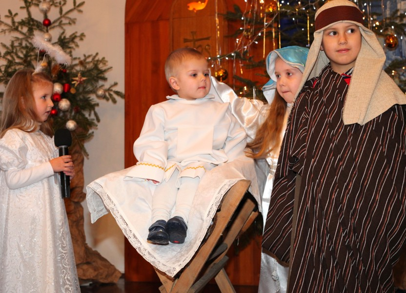 the nativity performance in a Catholic kindergarten, photo 3