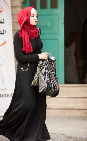 a young woman in Bethlehem, Palestine, photographed by Serhiy Lvivsky in September 2015