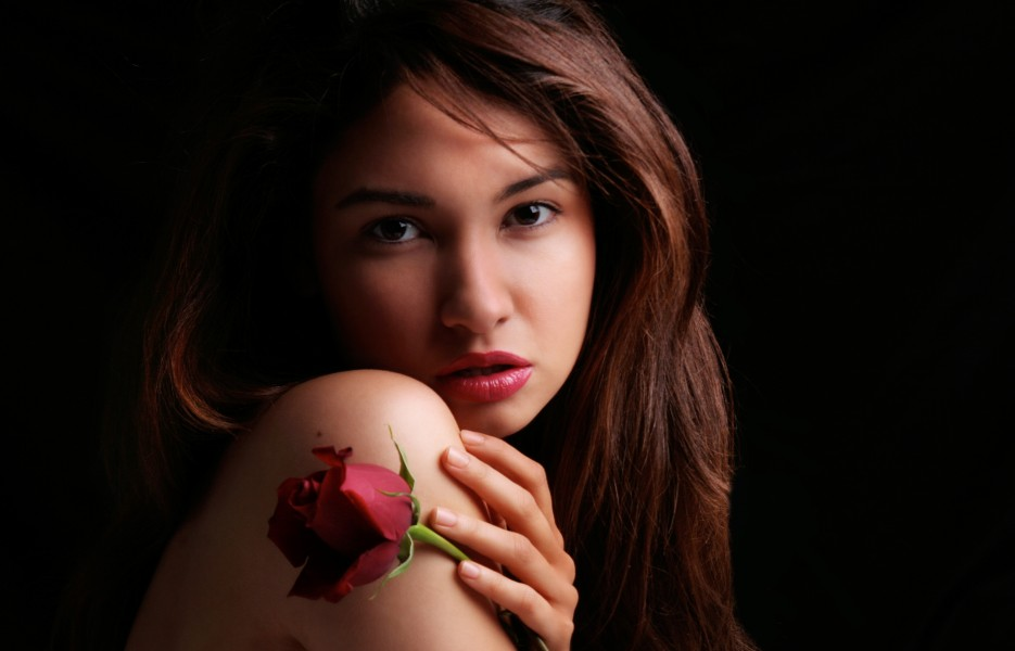 Jackie Martinez with a rose 01