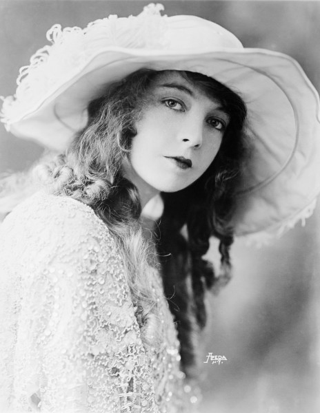 Lillian Gish-edit2