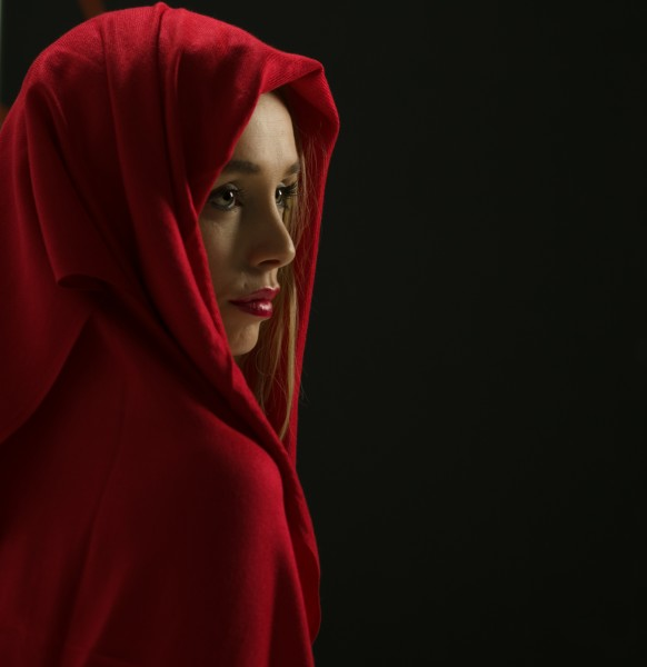 Model wearing red scarf (23232261500)