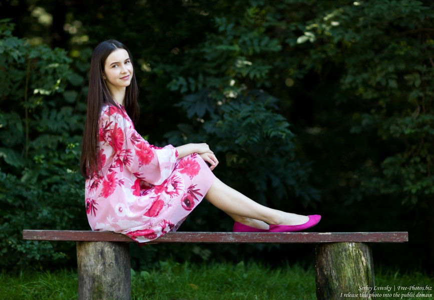 Vika - a 25-year-old brunette woman photographed by Serhiy Lvivsky in July 2018, picture 47