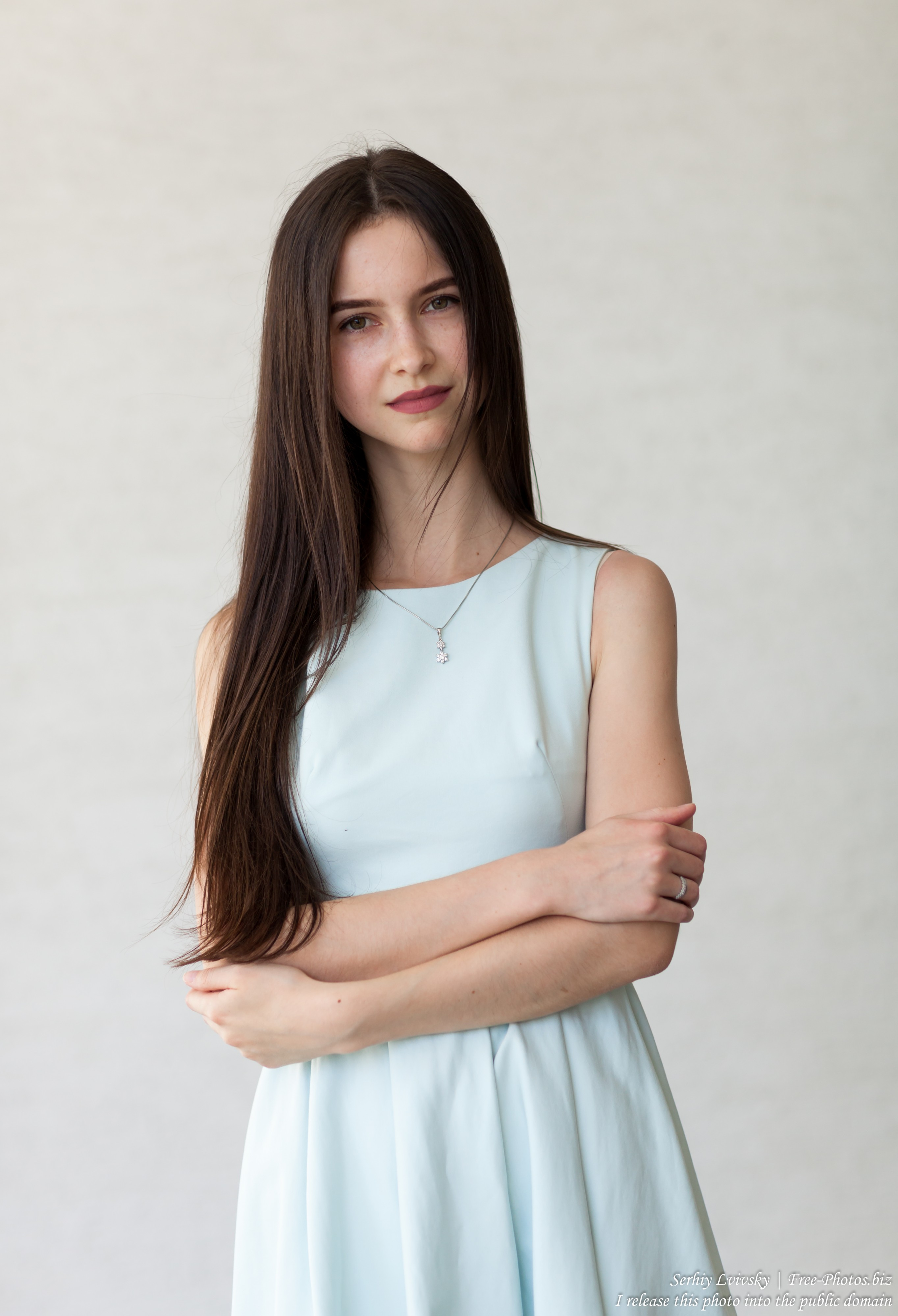 Vika - a 25-year-old brunette woman photographed by Serhiy Lvivsky in July 2018, picture 1
