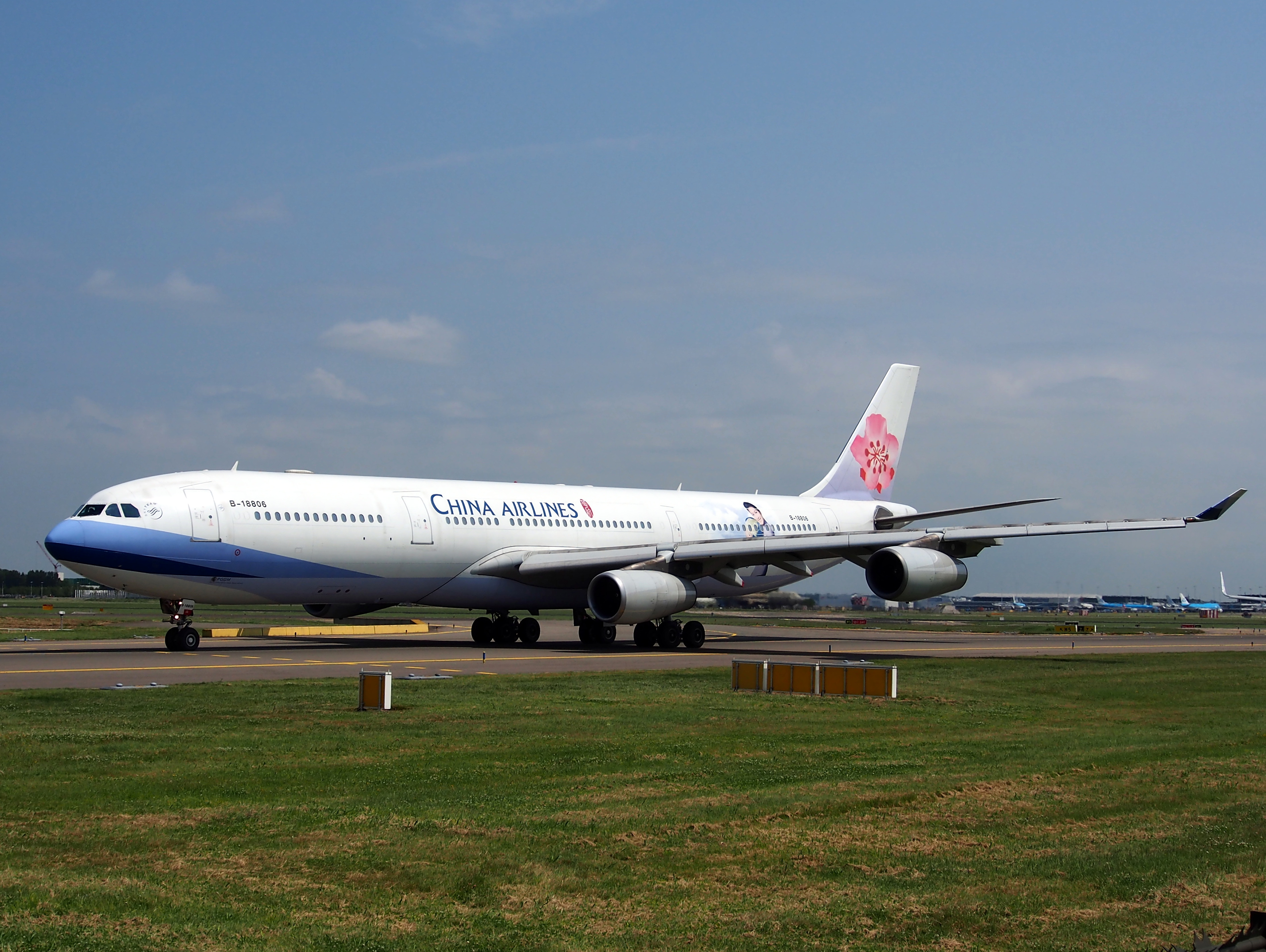 B-18806 China Airlines Airbus A340-313X - cn 433 pic3