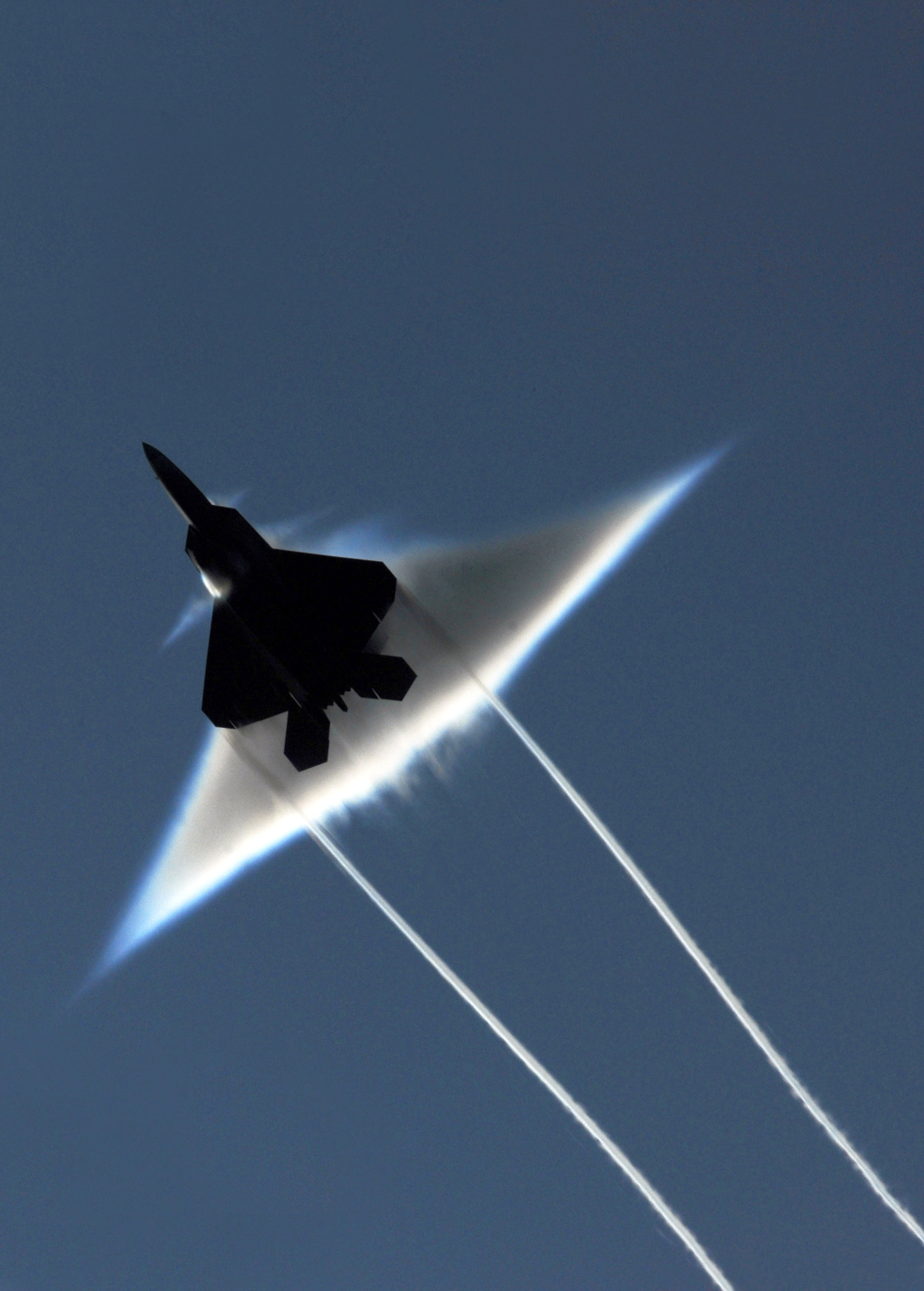 F-22 Supersonic Flyby