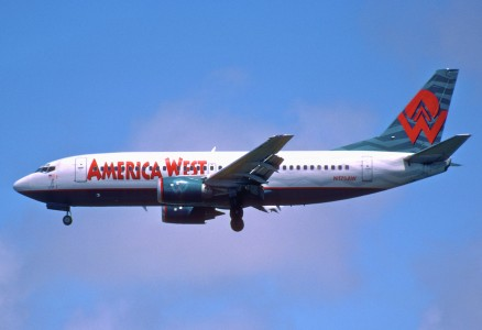 230bq - America West Airlines Boeing 737-300; N175AW@LAX;25.04.2003 (8046824512)