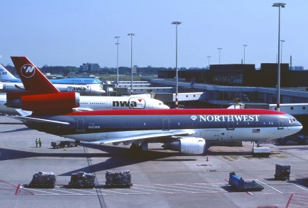 356cd - Northwest Airlines DC-10-30, N223NW@AMS,28.05.2005 - Flickr - Aero Icarus