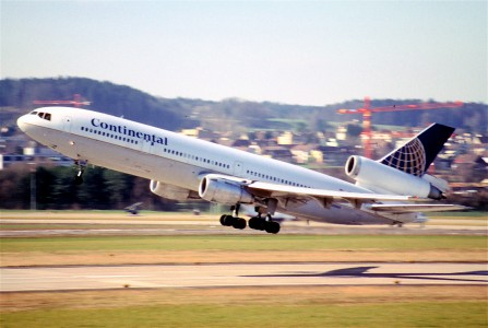 86ba - Continental Airlines DC-10-30; N15069@ZRH;28.02.2000 (5689957926)