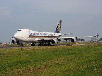 9V-SFG Singapore Airlines Cargo Boeing 747-412F - cn 26558, taxiing 22july2013 pic-003