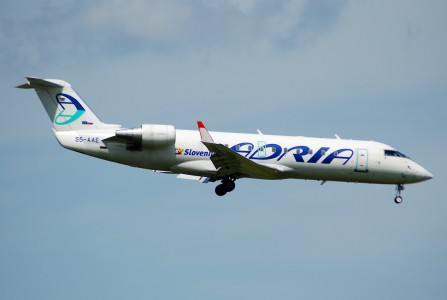 Adria Airways Canadair CRJ-200; S5-AAE@ZRH;22.05.2007 469ct (4291715752)