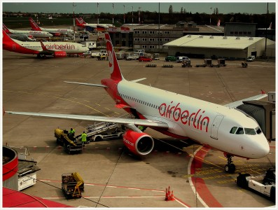 AIR BERLIN LINE UP AT TEGAL FLUGHAFEN BERLIN GERMANY APRIL 2012 (6948371336)