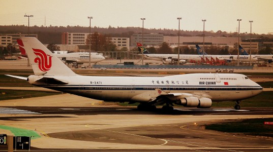 AIR CHINA BOEING 747-400 AT FRANKFURT MAIN FLUGHAFEN GERMANY APRIL 2012 (7099625295)