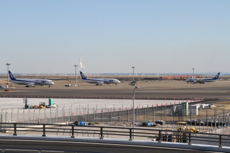 ANA 787s grounded at HND
