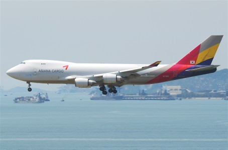 Asiana Airlines Cargo Boeing 747-400F; HL7420@HKG;04.08.2011 615pl (6207439473)