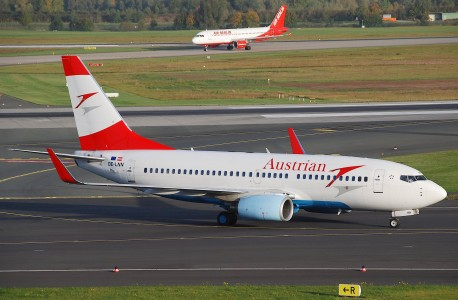 Austrian Airlines Boeing 737-700, OE-LNN@DUS,13.10.2009-558ao - Flickr - Aero Icarus